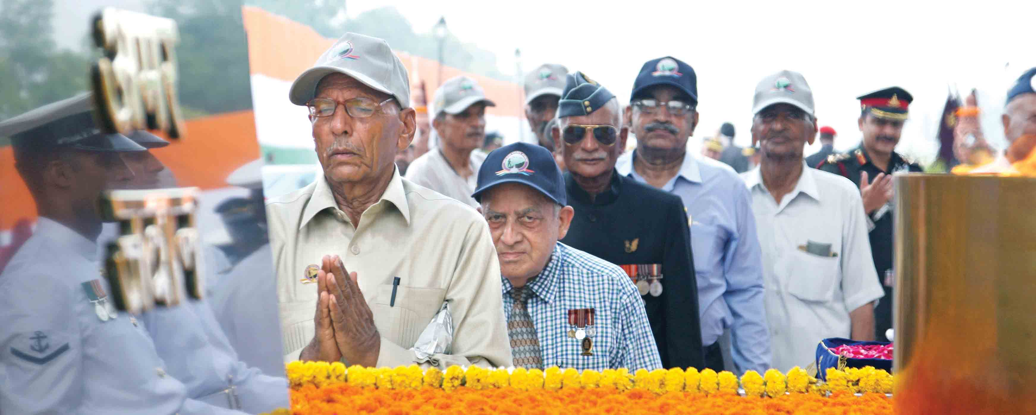 ar Veterans paying homage to martyrs at Amar Jawan Jyoti, India Gate on the occasion of 50th anniversary of Indo-Pak War 1965 on Friday, August 28, 2015.