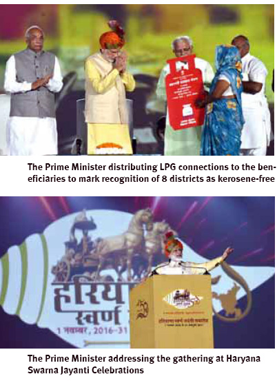 prime-minister-distributing-lpg-connections