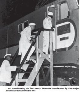 nehru-at-first-electric-locomotive-nov2014