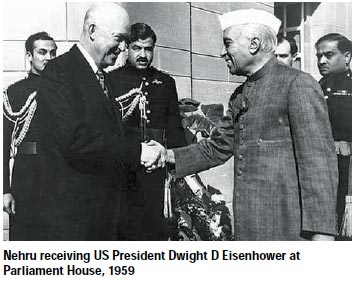 nehru-receiving-us-president-dwight-d-eisenhower-nov2014