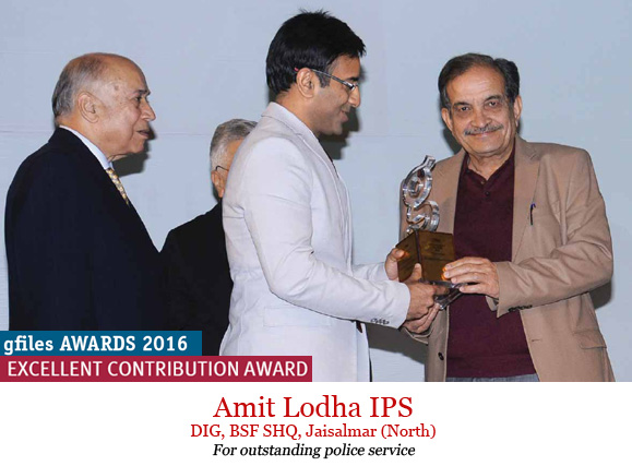 amit-lodha-receiving-award