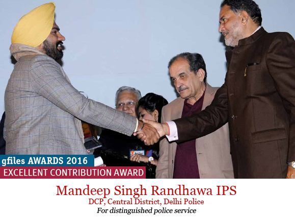 mandeep-singh-randhawa-receiving-award