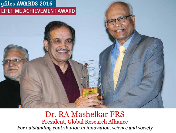 ra-mashelkar-receiving-awards