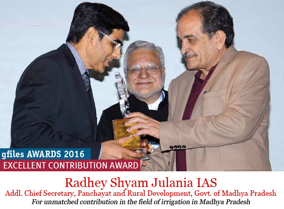 radhey-shyam-julania-receiving-awards