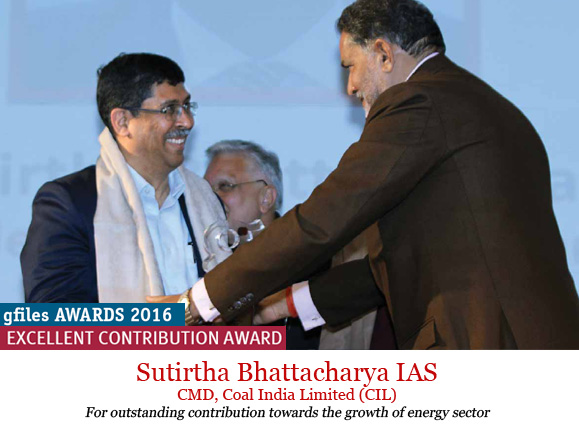 sutirtha-bhattacharya-receiving-awards
