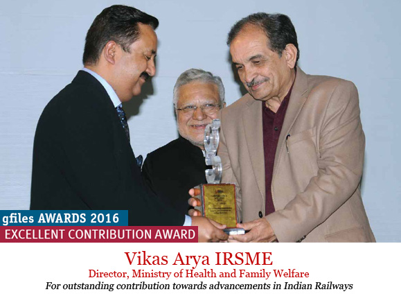 vikas-arya-receiving-award