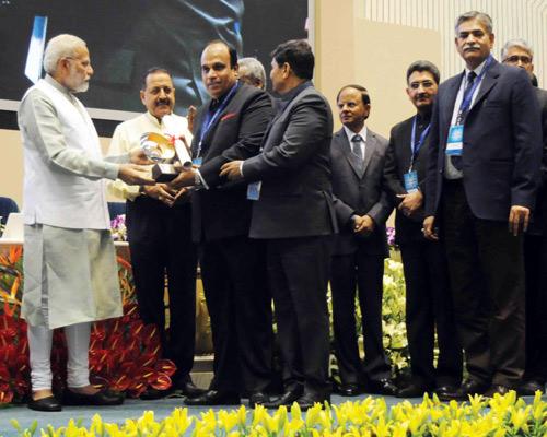 Upendra-Gupta-with-GST-Team-Members