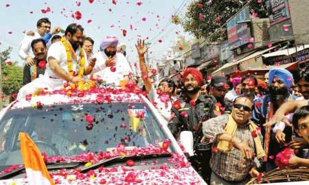 Amarinder Singh at Road show
