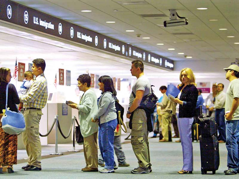 US-airport-immigration-glob