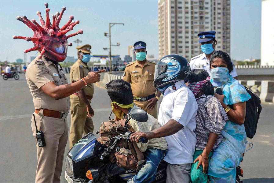 police-wear-helmat-to-aware-indian-people
